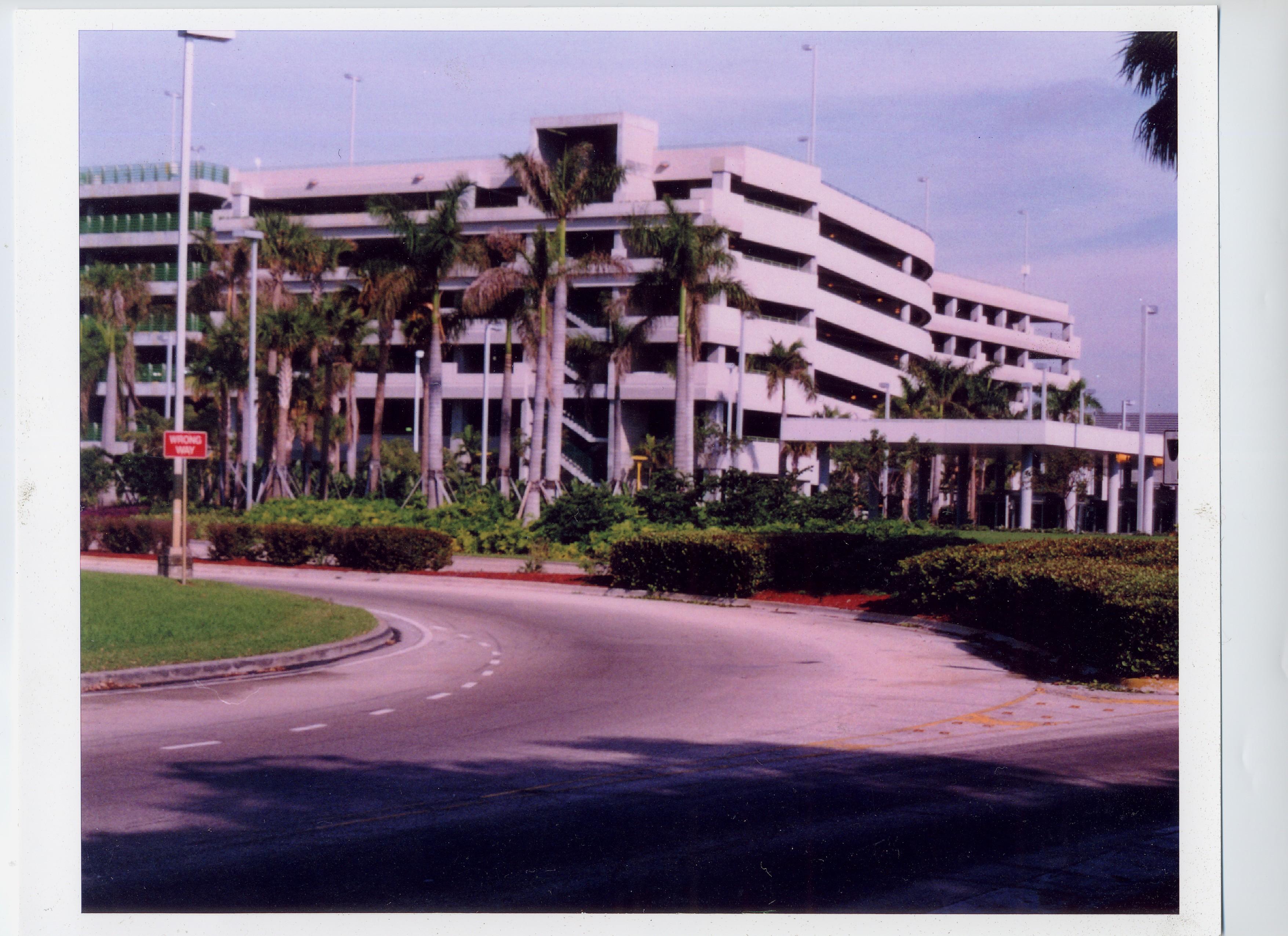 Parking Garaga_Ft Lauderdale Airport