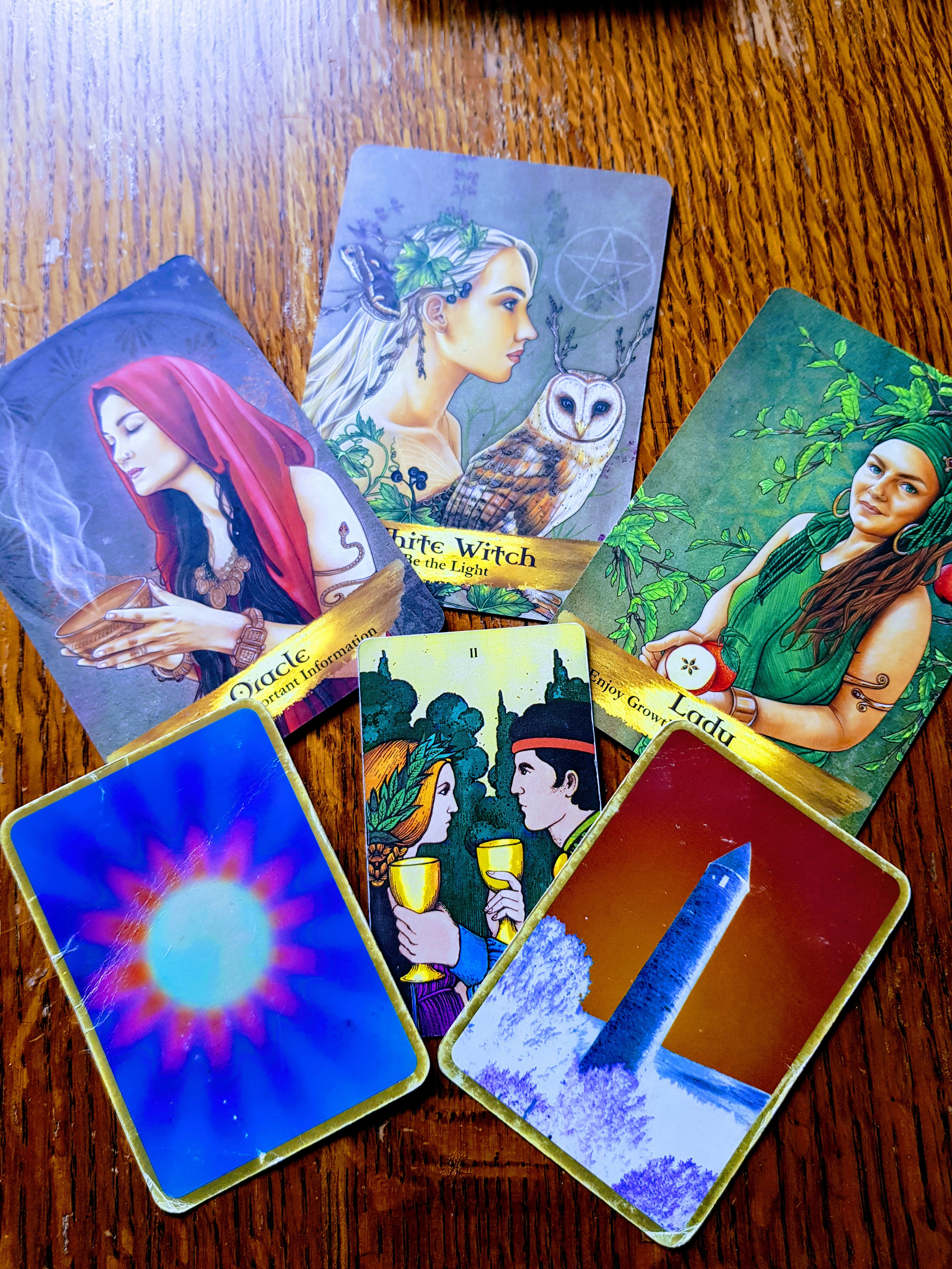 TAROT AND ORACAL CARD READINGS