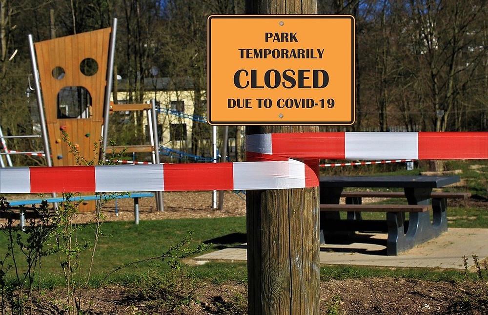 park closed sign due to coronavirus