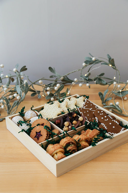 Holiday Cookie Box (pick-up 20th-24th only)
