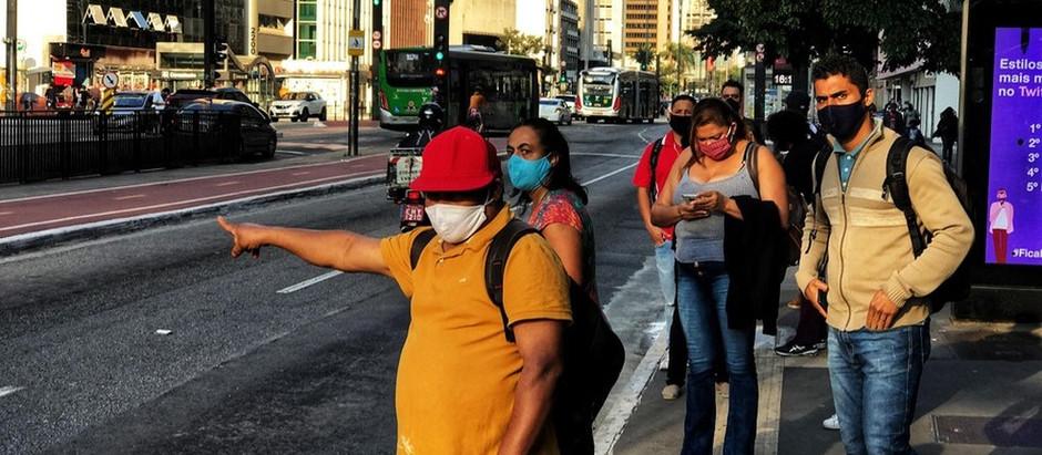 Presidente da Anvisa descarta desobrigar máscara após segunda dose de vacina