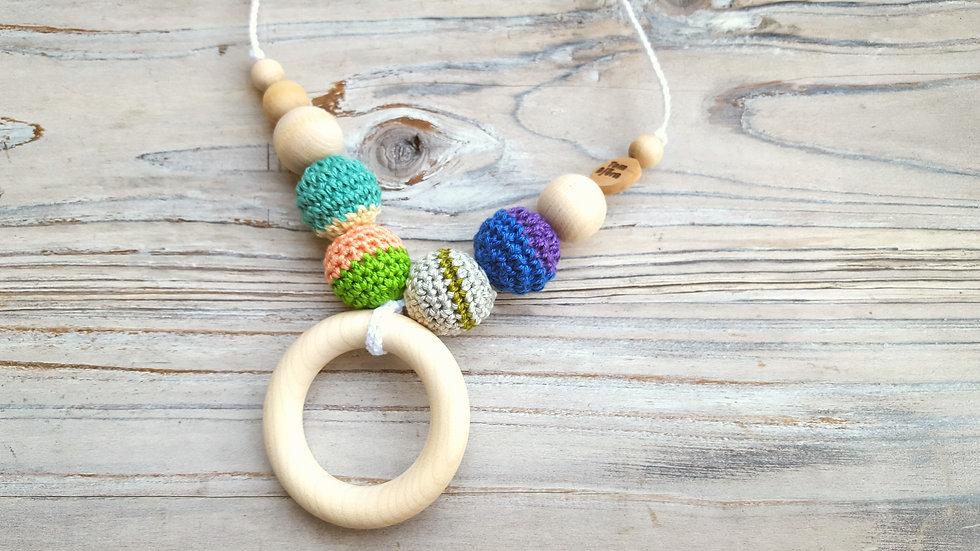 Amningshalsband med bitring - färgglatt