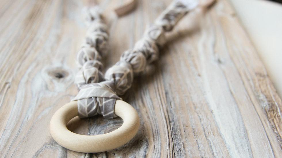Amningshalsband -  med bitring - grått