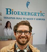 Señor_de_Lentes_en_Recepción_Bioenerge