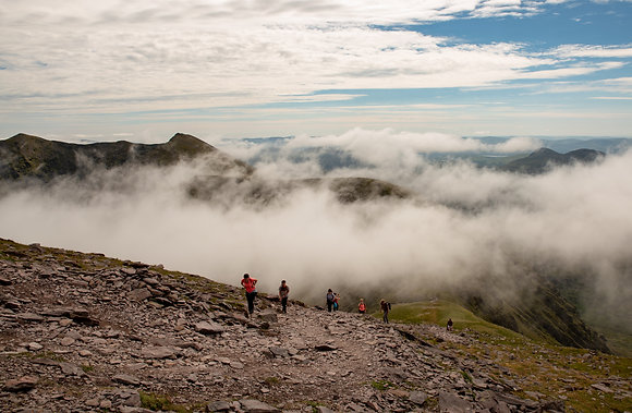 Tourist on top of the Reeks