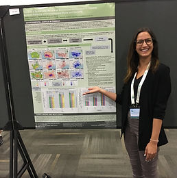 Kaity presents a poster at the ISES-ISEE 2018 in Ottawa