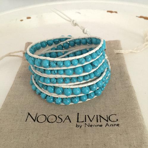 5 wrap bracelet / turquoise on white leather