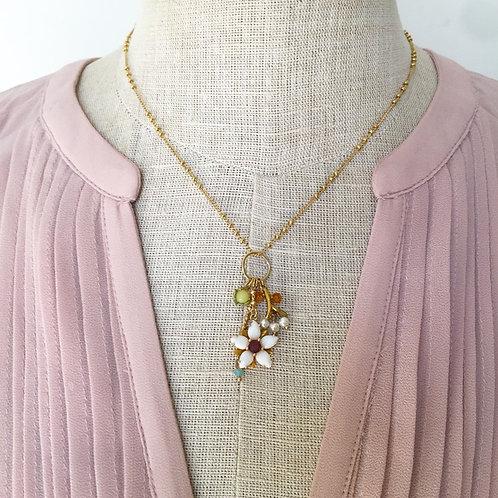 Les Nereides / Flower Necklace