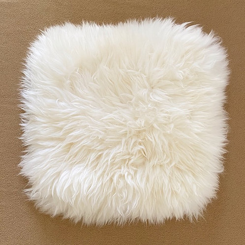 Sheepskin square chair mat / 40cm x 40cm / White