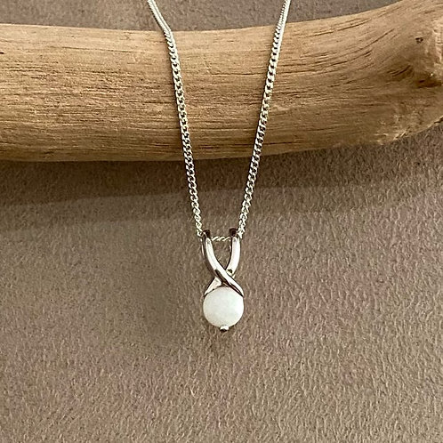 White opal pendant set in 925 sterling silver with 925 silver chain / M3SP03