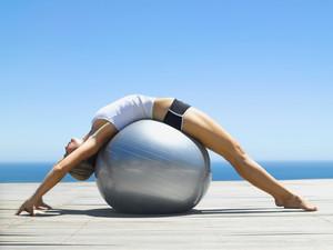 Stanco del mal di schiena? Fisioterapia e pilates possono aiutarti davvero