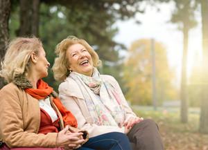 La solitudine e l'avanzare dell'età: 4 consigli per contrastarla