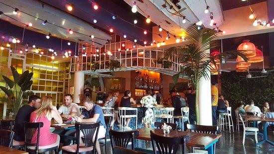 brian-lara-cocktail-bar.jpg