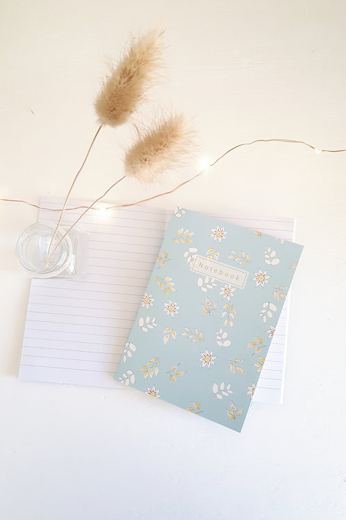 13 Notebook fleuri fond bleu
