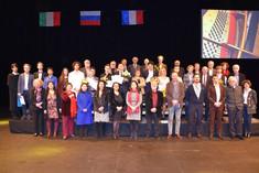 DSC_1703 - photo de groupe des laureats,