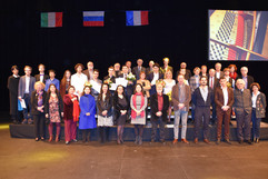 DSC_1703 - photo de groupe des laureats,