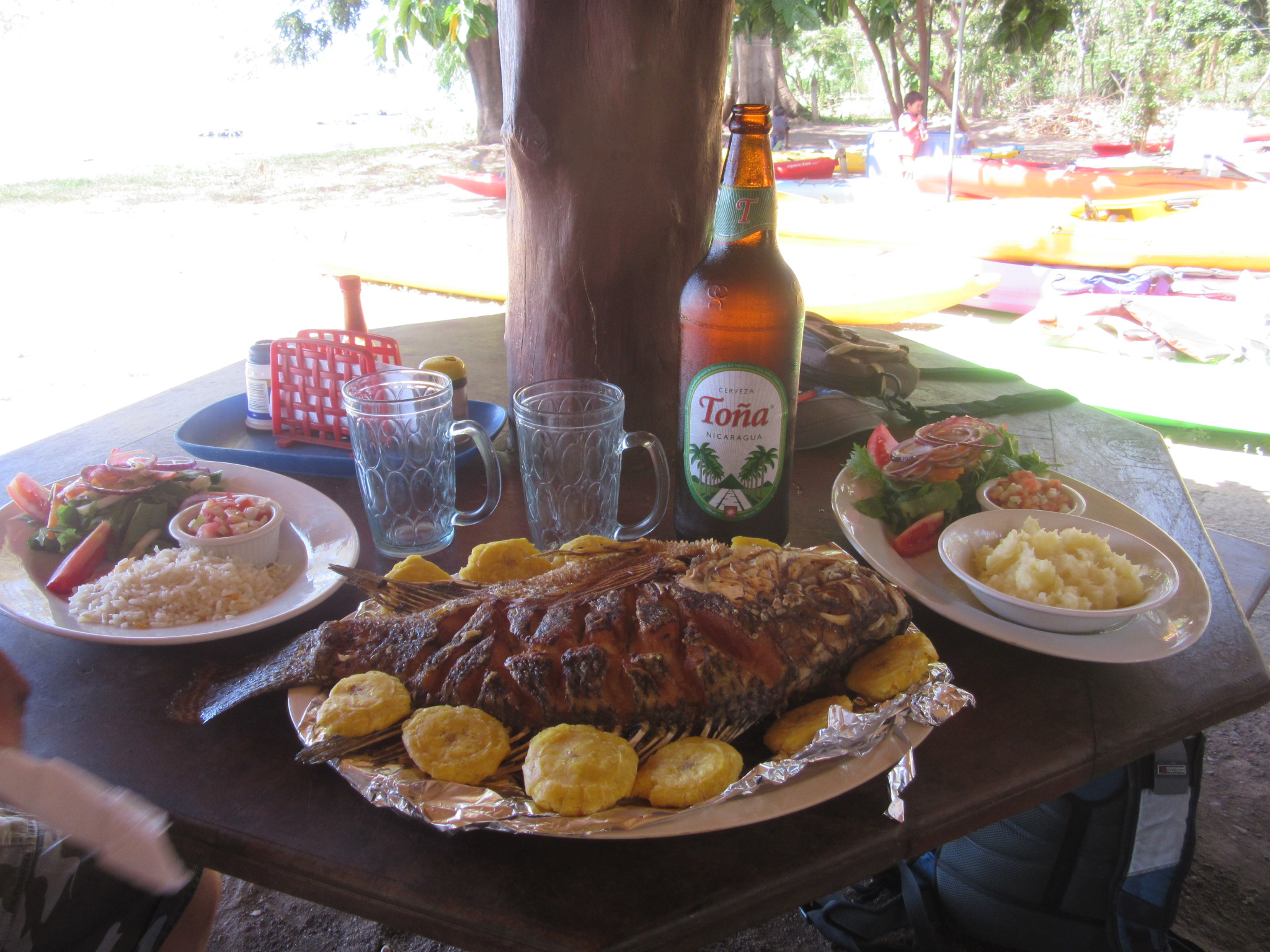 Fried guapote beer