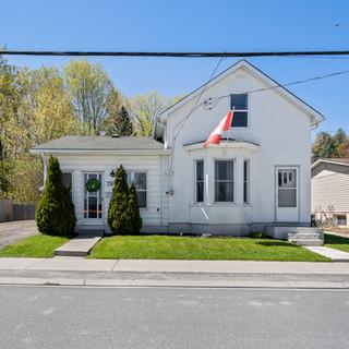 356 Metcalf Street, Tweed ON-2.jpg