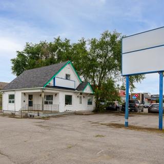 9-252 North Front St Belleville, ON- High Resolution (Web).jpg