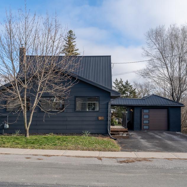 325 MacDonald Ave, Belleville