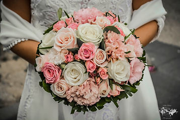 bouquet roses blanches et roses mariage