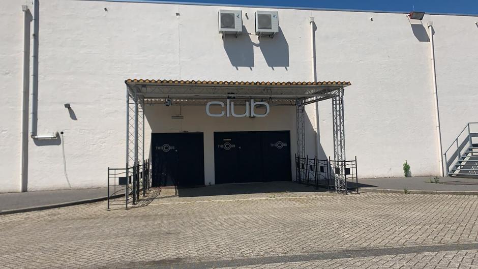 AREA 3 - CLUB