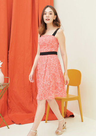 CS2020-ORANGE-DRESS-BLACK-KIMONO--03.jpg
