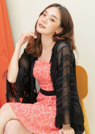 CS2020-ORANGE-DRESS-BLACK-KIMONO--18.jpg