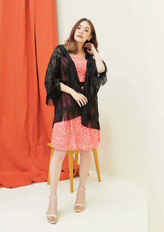 CS2020-ORANGE-DRESS-BLACK-KIMONO--11.jpg