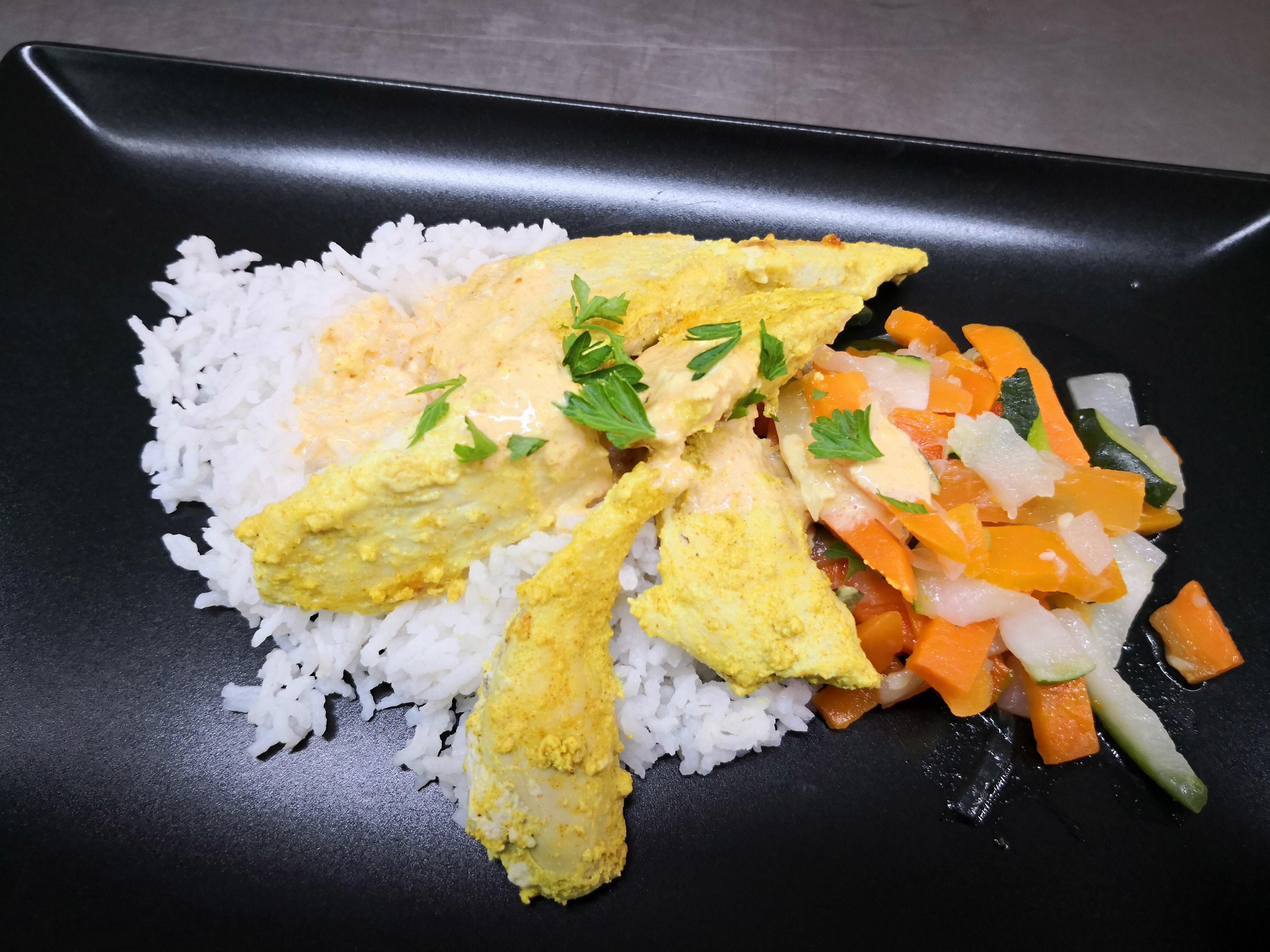 Emincés de poulet mariné citron/cury