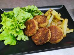 Kefta de boeuf, pommes terre salade