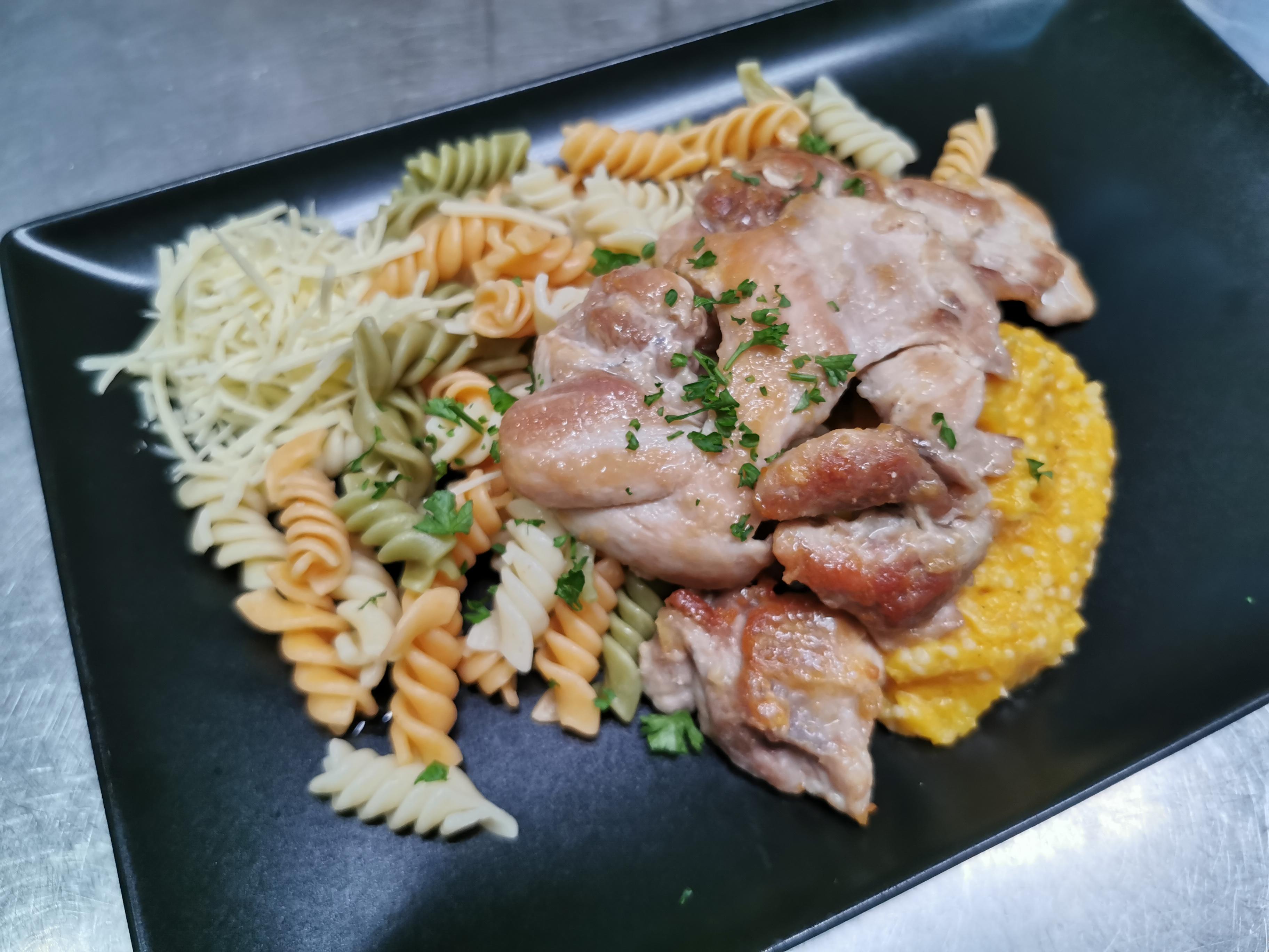 fricassée poulet pâtes et butternut