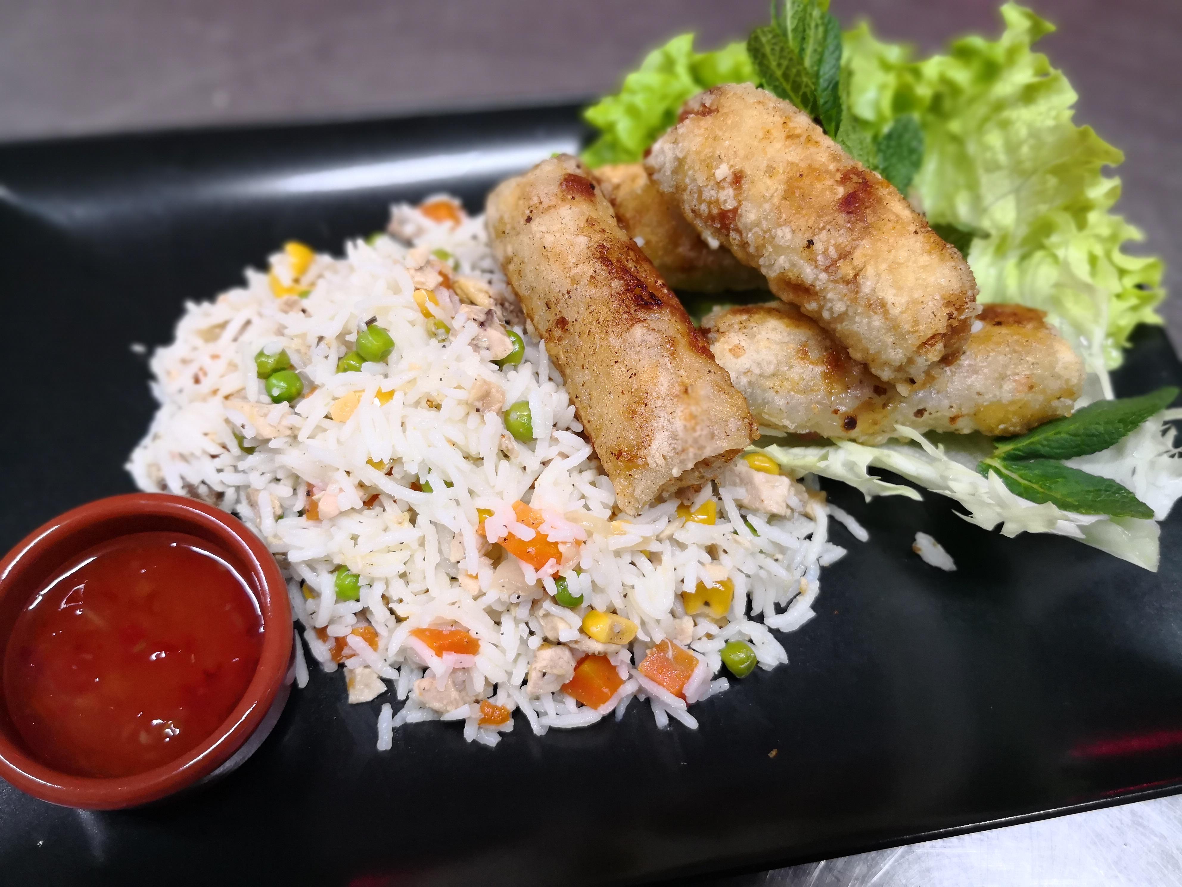 01/02 : Nems, riz cantonais poulet
