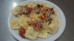ravioli à la viande sauce tomate