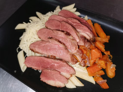 1/2 magret de canard carottes et pât