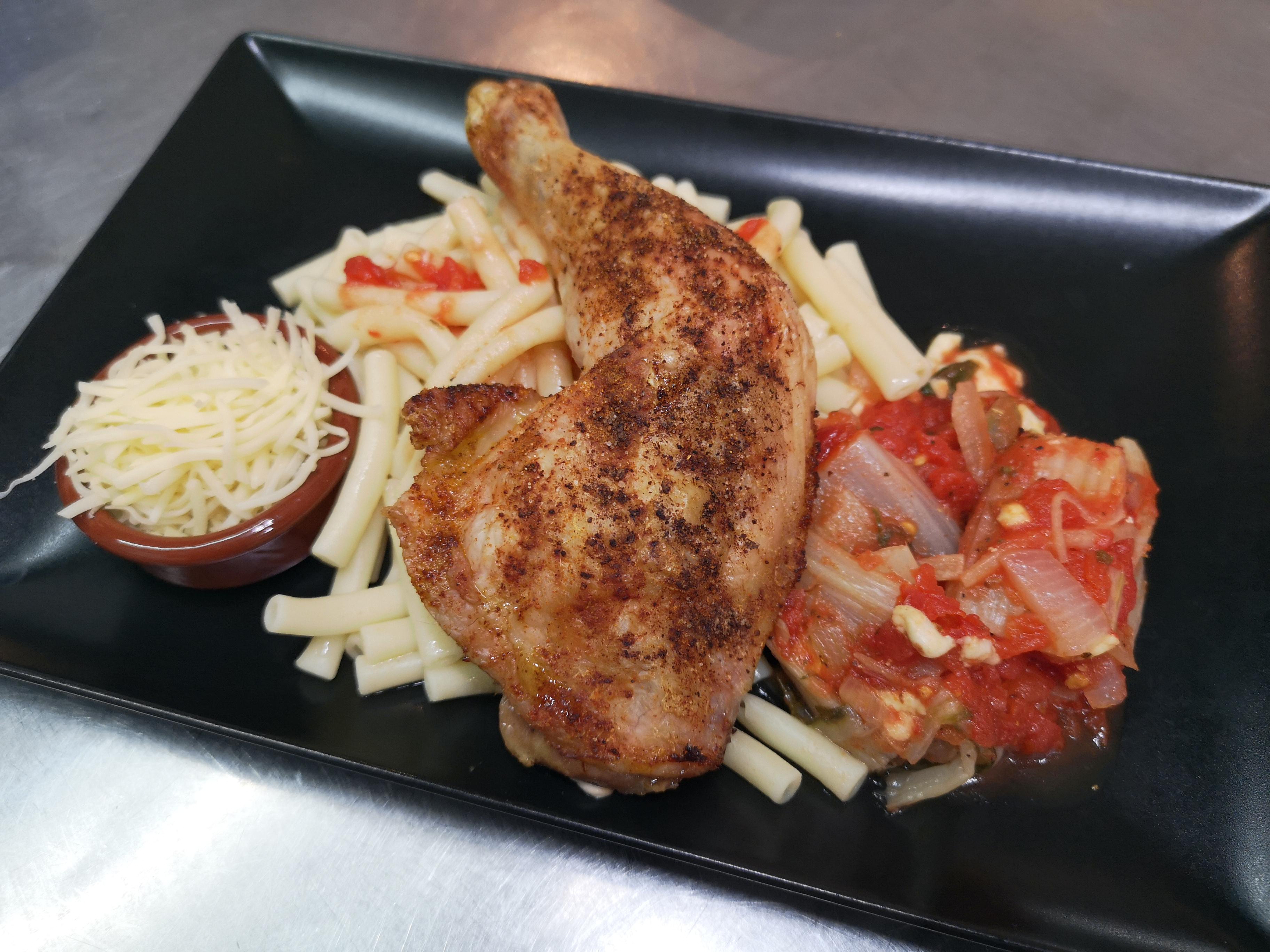 Cuisse de poulet grillée pâtes