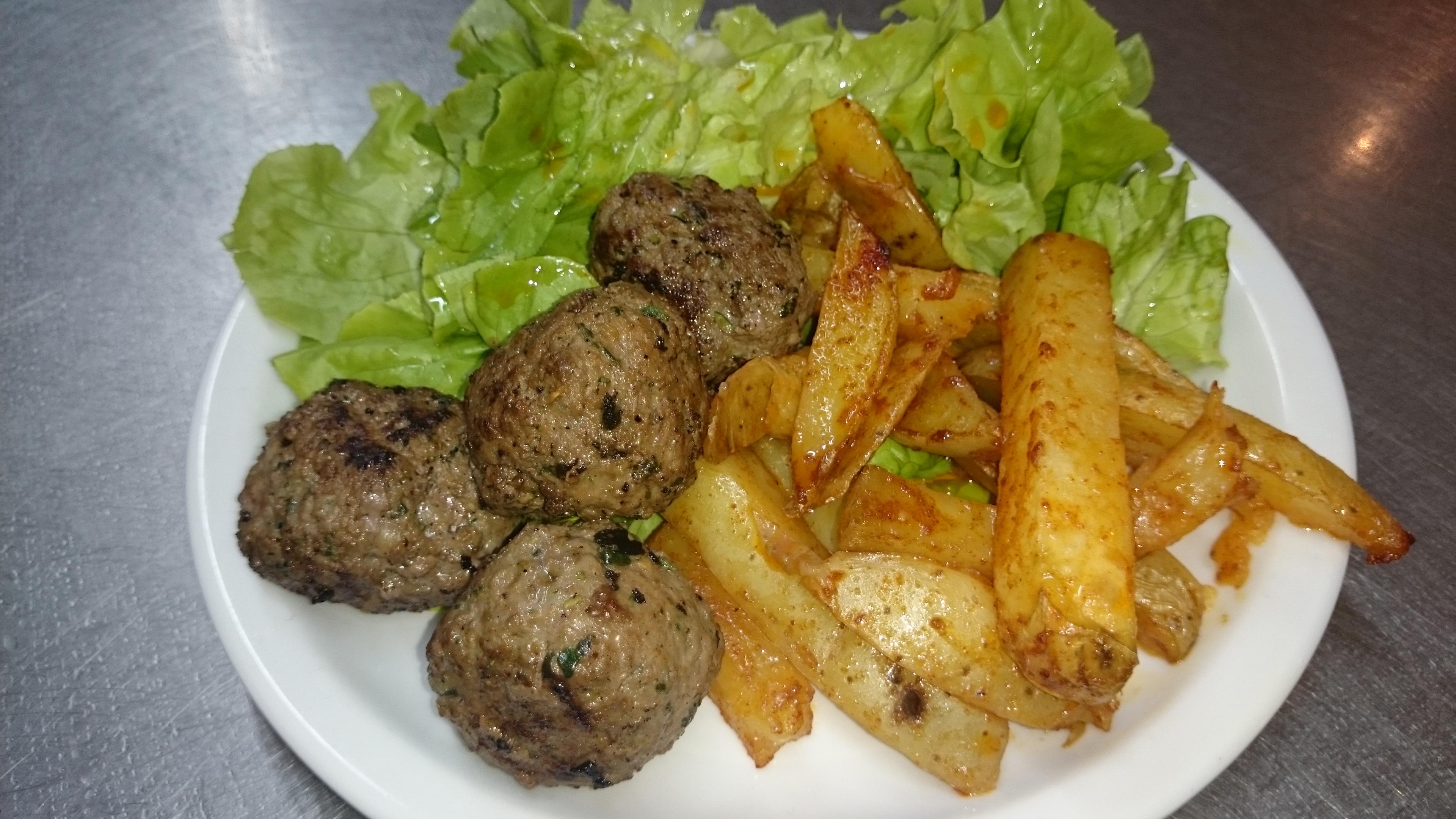 Kefta de boeuf, pommes/terre salade