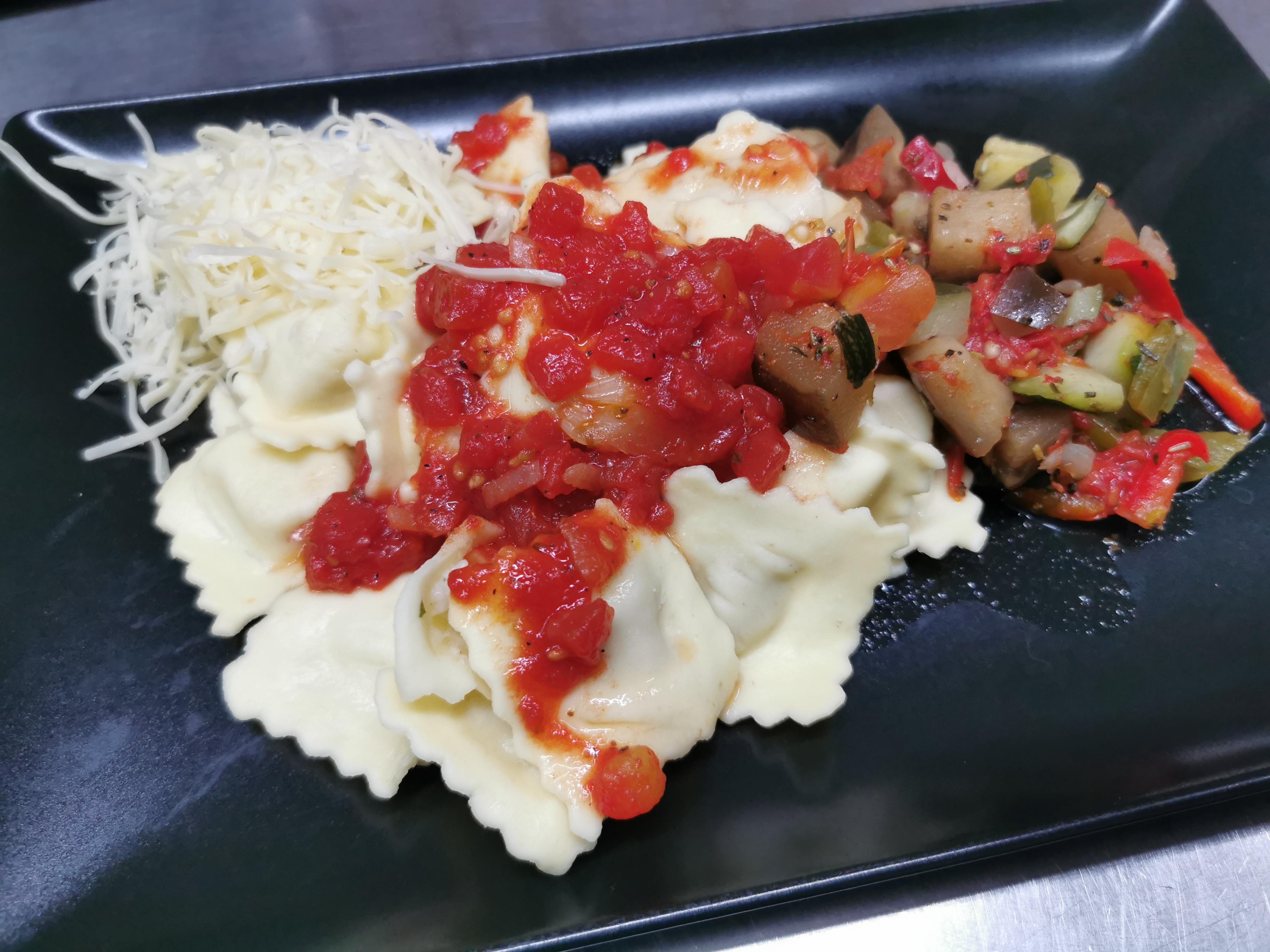 raviolis au fromage sauce tomate ou rata