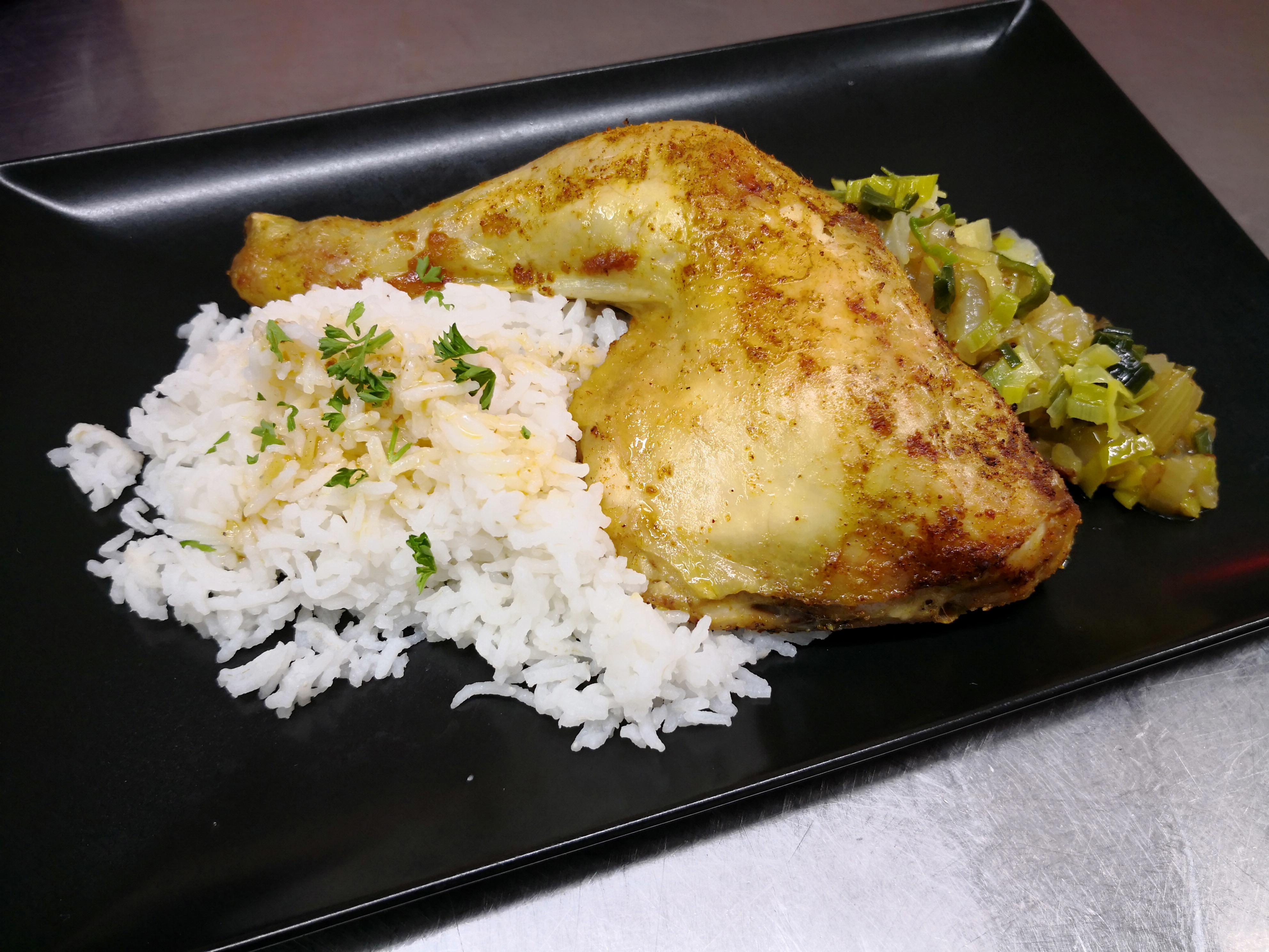 cuisse de poulet grillée, riz