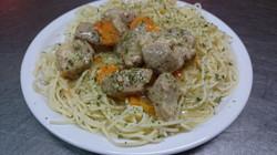 Curry de porc pâtes et gratin légume