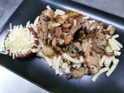 poulet au basilic et macaroni