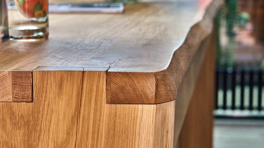 live edge joint close up.jpg