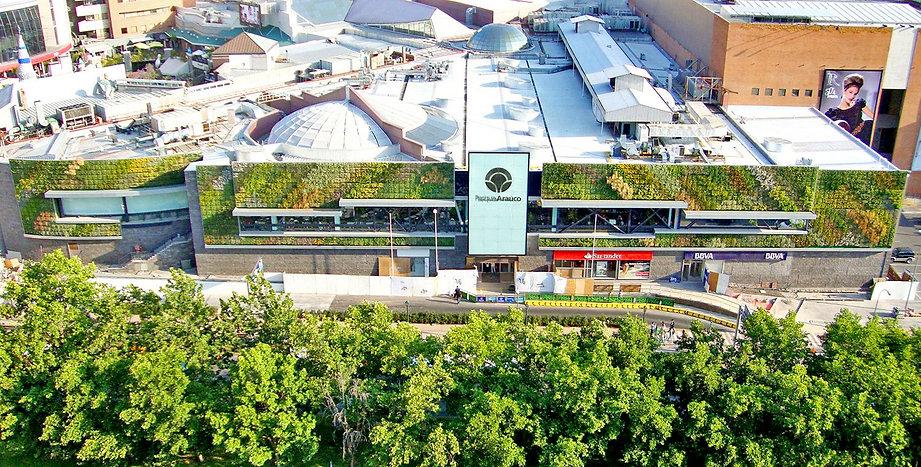 Muro verde Mall Parque Arauco