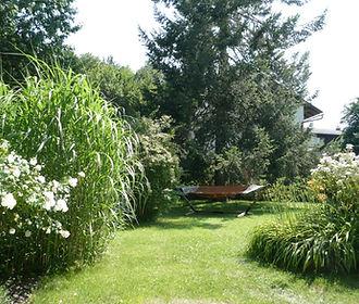 7 Garten Teilansicht.JPG