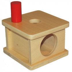 Boîte à forme avec petit cylindre