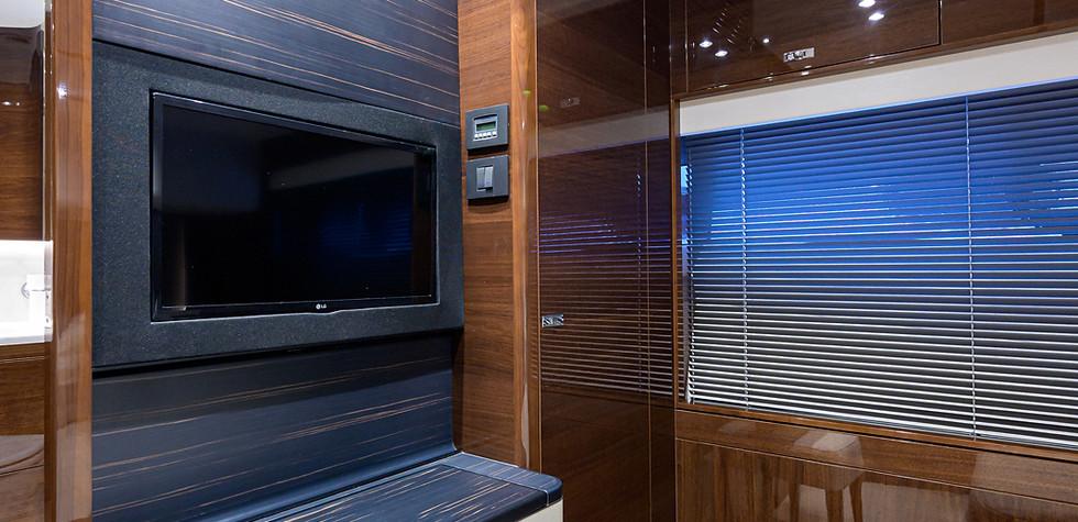 V78 -502_starboard_guest_stateroom_5.jpg
