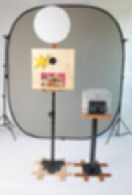 Die Fotobox mit Drucker und Hintergrunds