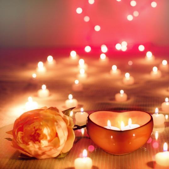 candles-2000135_1920.jpg