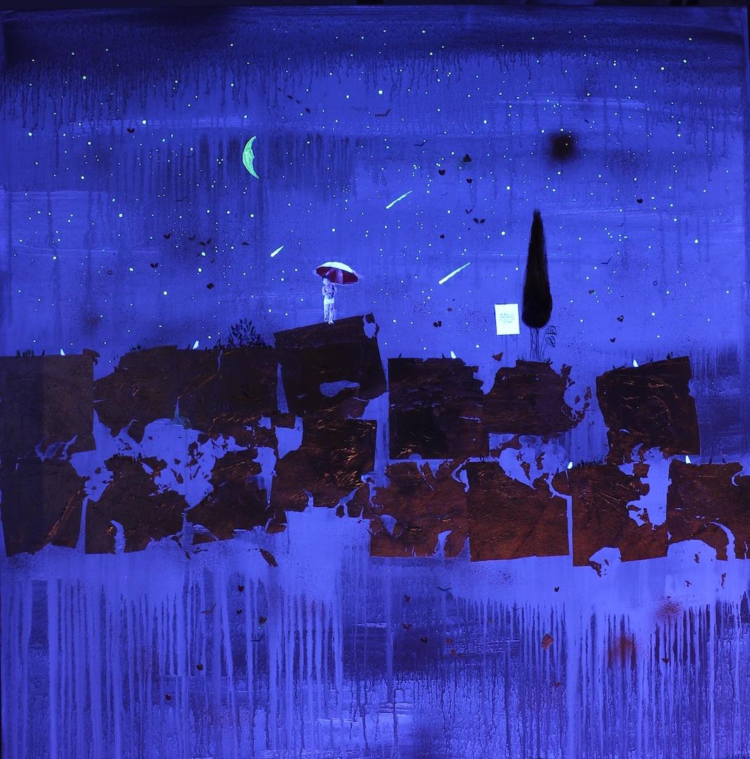 Golden Rain - Under UV Light