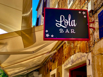 Feeling Hungry in Hvar? Look No Further Than Lola Street Bar